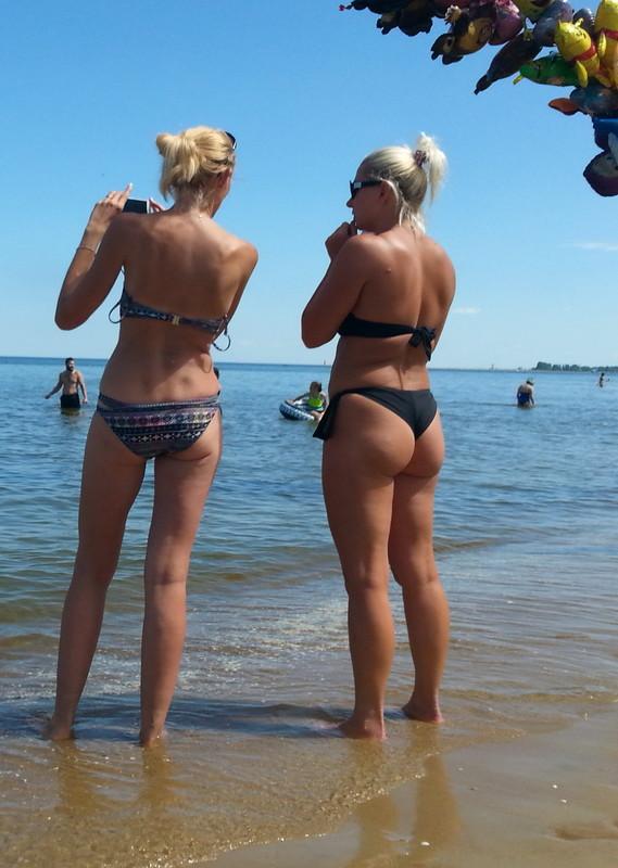 2 hot lesbian ladies beach spy pictures
