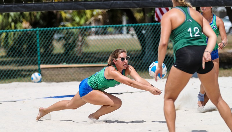 beach volleyball women in sexy bloomers