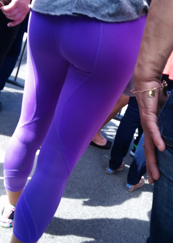 magnificent booty in purple leggings