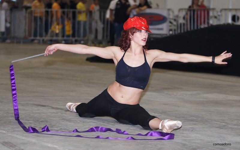 flexy gymnast chick in candid black leggings