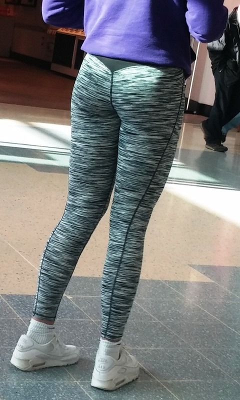 awesome legs in gym pants