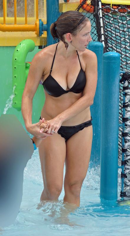 swimming pool milf in black bikini