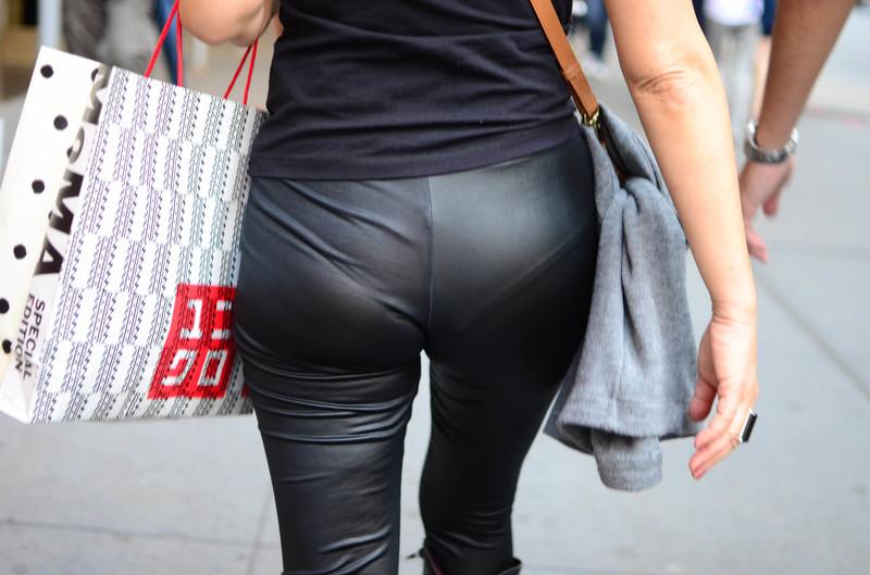 perfect milf booty in shinny black leggings