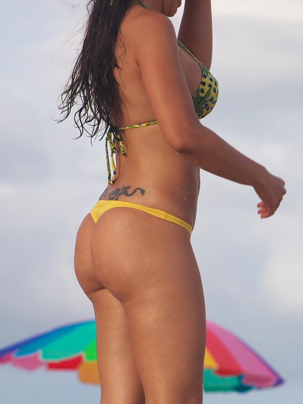 miami beach girl in awesome bikini