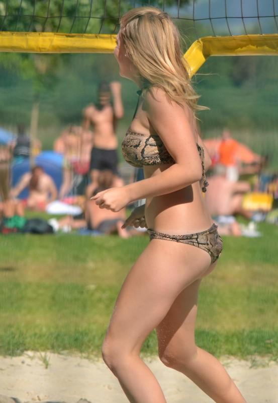 sand volleyball girl in pretty bikini