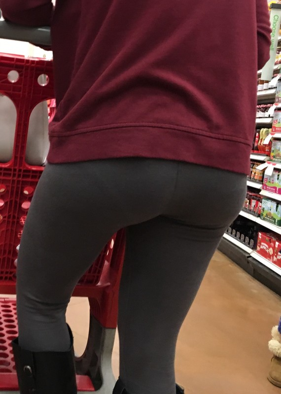supermarket petite booty in boots & leggings