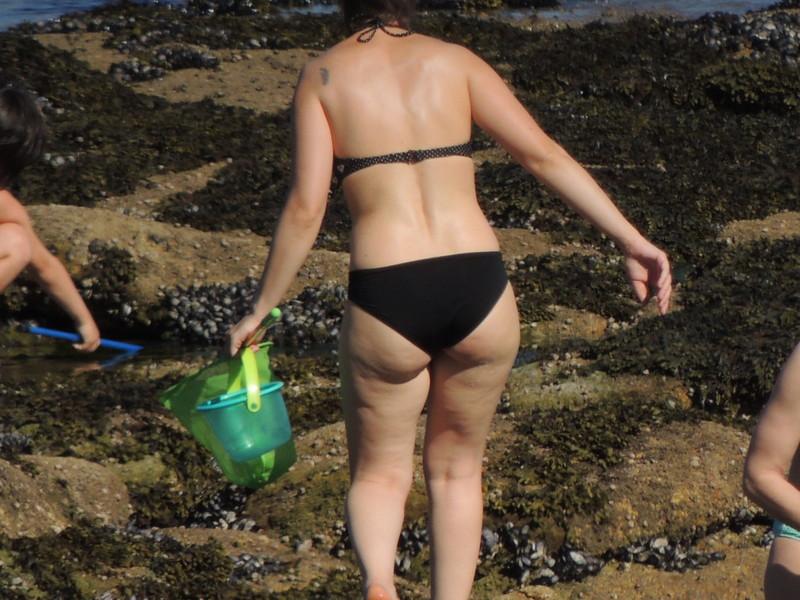 busty milf in sexy colorful bikini