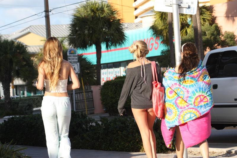 florida girls in candid swimwear