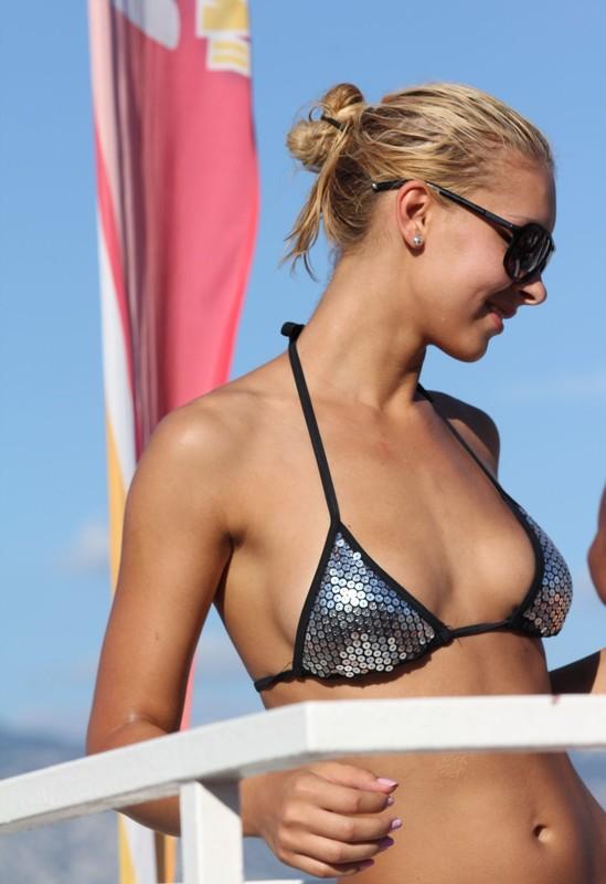 beach party lady in silver bikini top & shorts