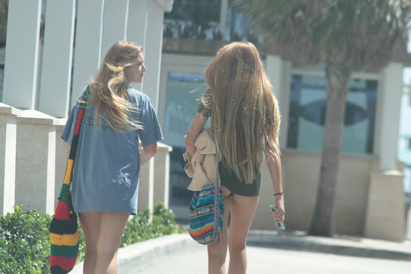 miami street hotties in bikinis