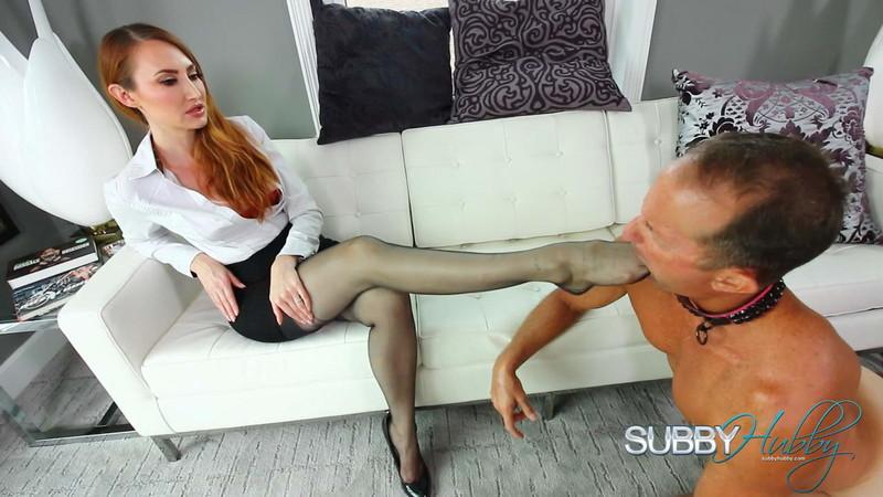 Executive Mistress Kendra - Sweaty Foot Punishment [FullHD 1080P]