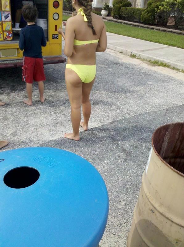 2 hot teens in bikinis