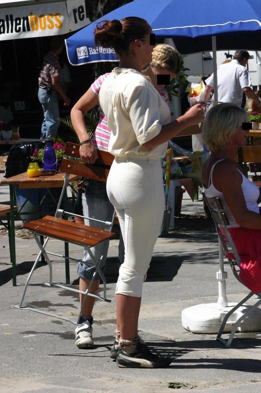 horse riding contest girls in jodhpurs & boots