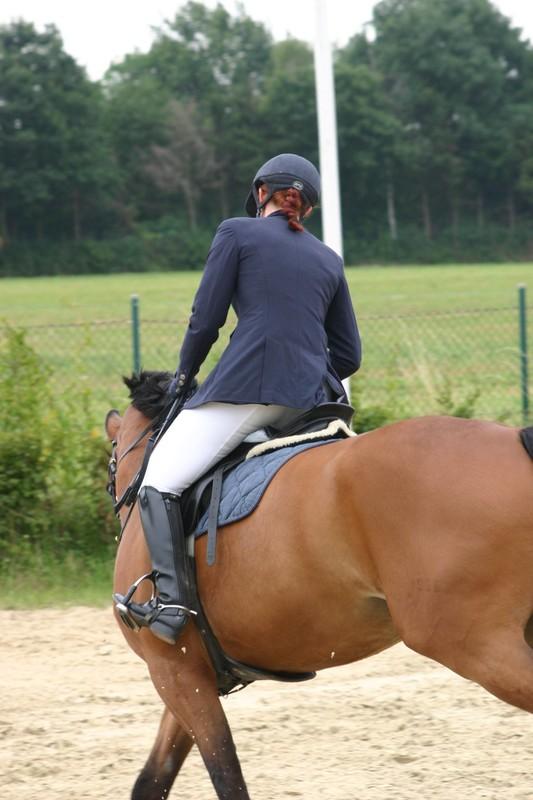 equestrian girls in boots & sexy jodhpurs