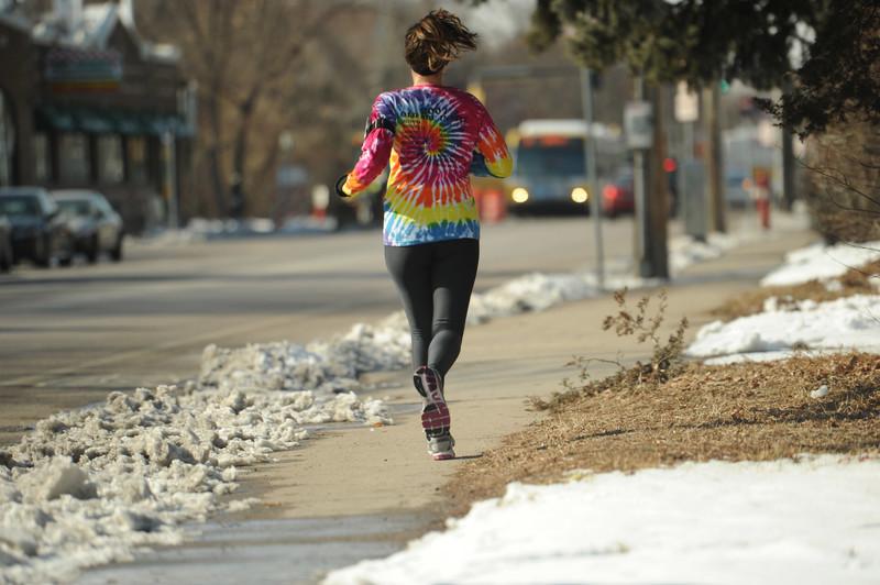 winter jogger milf in black spandex leggings