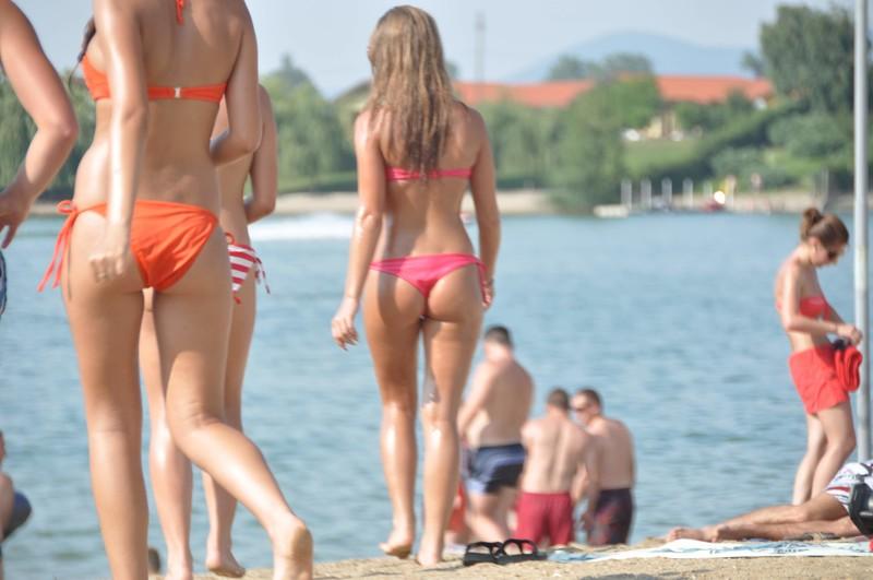 2 lesbian girls relaxing on the beach