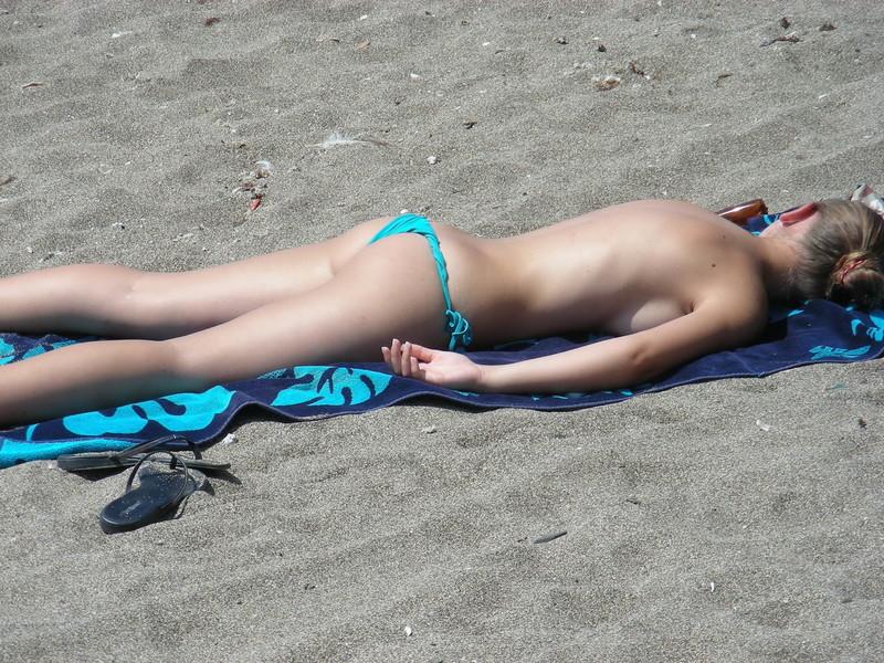 topless babe in blue bikini thongs