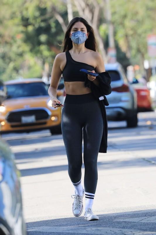 attractive chick Eiza Gonzalez in candid gym uniform