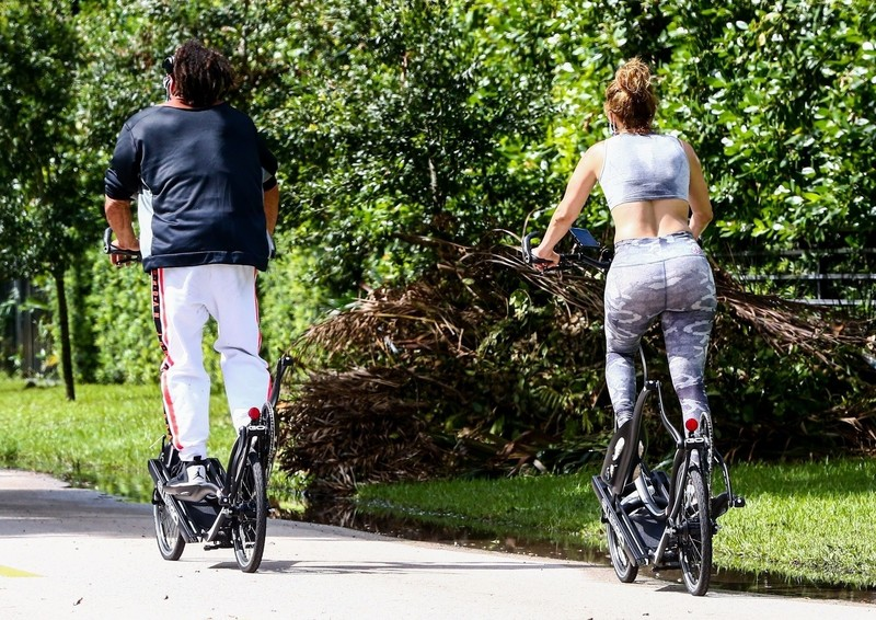 bicycle chick Jennifer Lopez in camouflage leggings