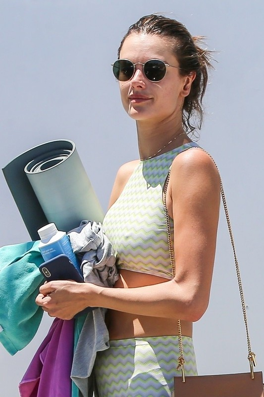 handsome babe Alessandra Ambrosio in green fitness outfit