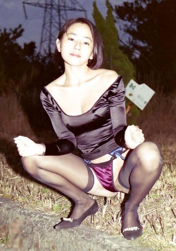 KTV約粉絲啪啪,【19歲的小仙女】,小姐姐一對美乳,洗手間對著鏡子後入,白皙風騷,淫水不斷享受其中