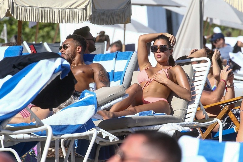 nice-looking chick Kazimir 'Kaz' Crossley in peach bikini