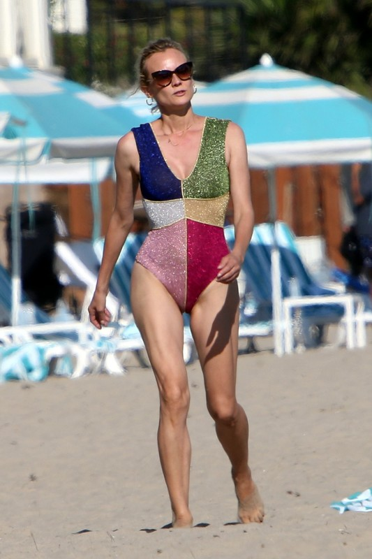 handsome milf Diane Kruger in 1 piece bathing suit
